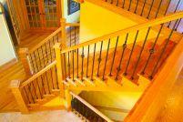 Деревянные перила для лестниц вспомогательных помещений (простые перила)