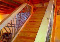 Недостатки простых деревянных перил для лестниц