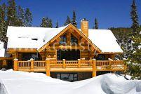 Классические деревянные дома из бревна с канадской изюминкой