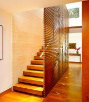 Покупка деревянной лестницы по выгодной цене